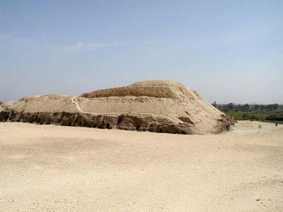 Мастаба 17 комплекса пирамиды Хуни. Мейдум.