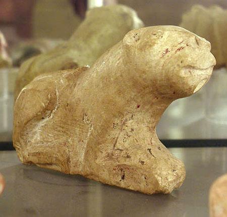 Известняковый лев. Музей египетской археологии Петри.