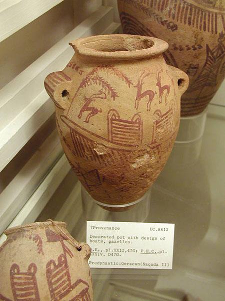 Глиняные горшки. Музей египетской археологии Петри.