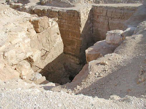 Структура внутренних помещений пирамиды Реджедефа