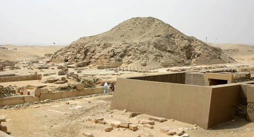 Пирамида фараона Униса. Вид со стороны пирамиды Джосера.