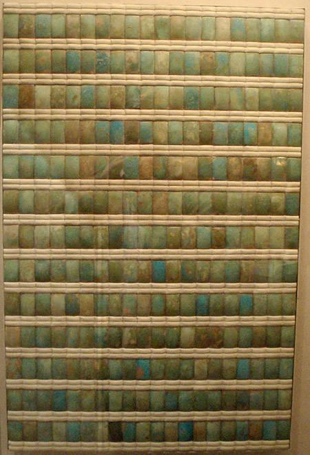 Облицовочные плитки из фаянса. Фараон Джосер. Погребальная камера.