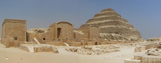 Двор хеб - сед. Западная сторона. Комплекс пирамиды Джосера.