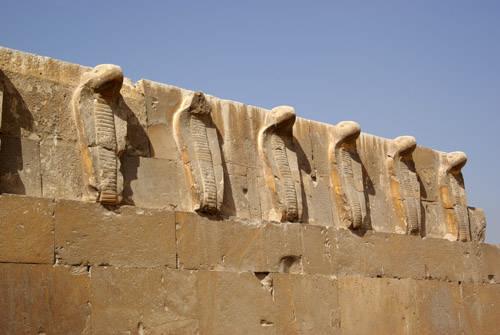 """Фриз """"Кобры"""" крупным планом. Фараон Джосер. Погребальный комплекс."""