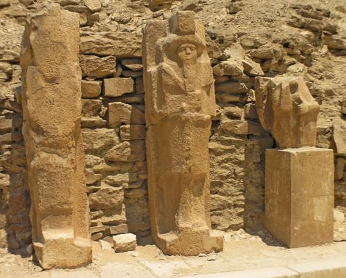 Незавершенные статуи фараона Джосера.