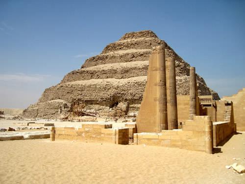 Колонны царского павильона. Фараон Джосер. Погребальный комплекс.