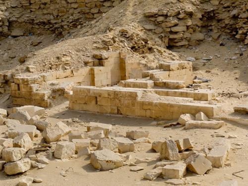 Остатки сооружений Северного дома. .Фараон Джосер. Погребальный комплекс.