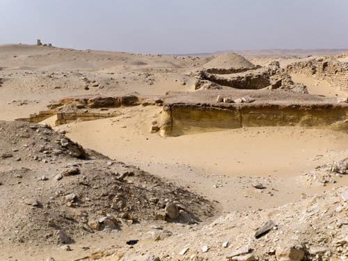 Вид на запад от алтаря пирамиды Джосера.