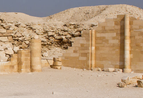 Восточная стена Южного дома. Фараон Джосер. Погребальный комплекс.