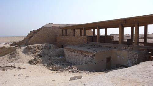 Входная колоннада. Фараон Джосер. Погребальный комплекс.