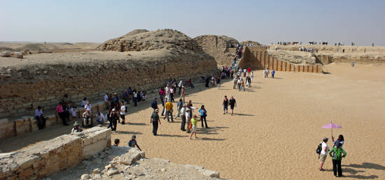 Южная сторона погребального комплекса фараона Джосера.