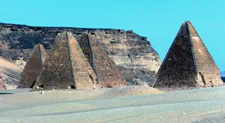 Южное поле пирамид в Гебель - Баркал. Судан.