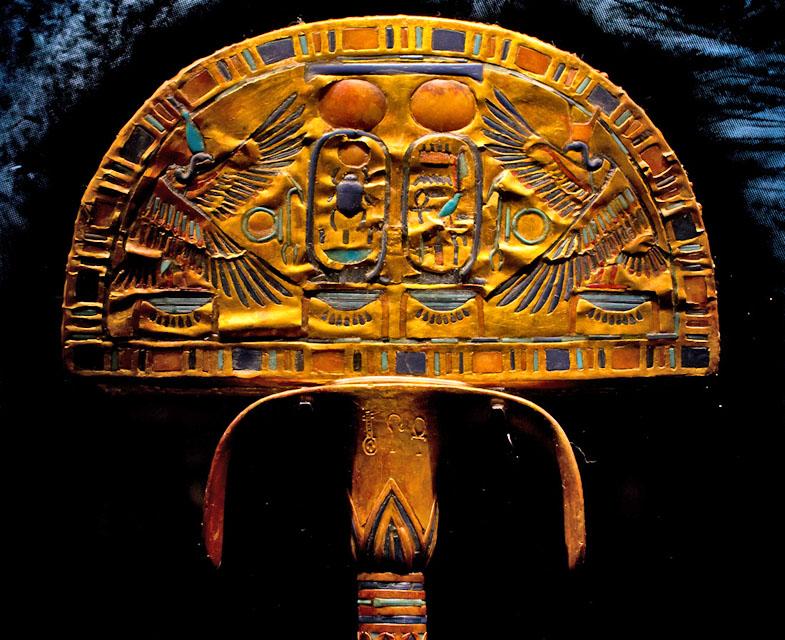 Опахало с изображением грифа. Гробница Тутанхамона.
