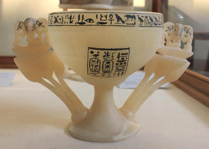 Чаша в форме цветка лотоса. Гробница Тутанхамона.