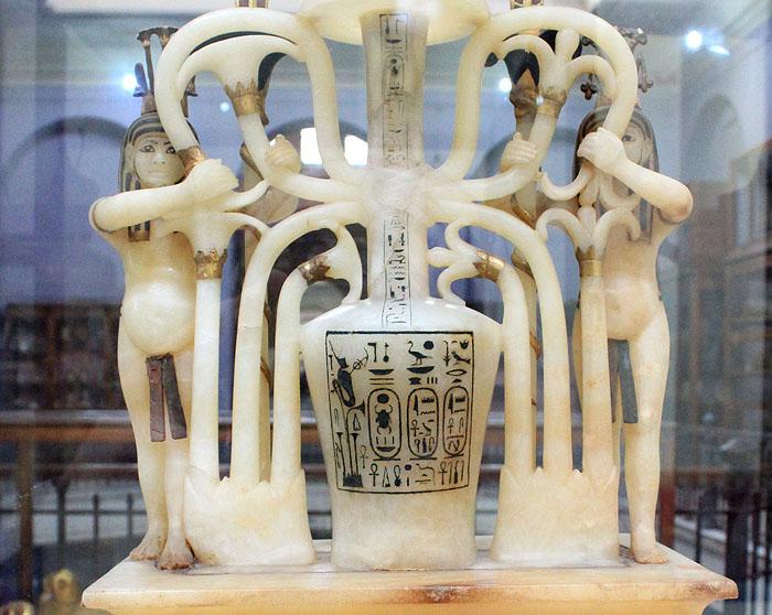 Надпись на сосуде для духов фараона Тутанхамона